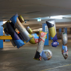 """Dreaming Wild"", ALASKA Sydney, 2018; ""#%!&"", ca.140 x 300 x 100cm, miscl. assorted wrapping paper, news paper, inflated baloons, 2018 ,  photo: Jessica Maurer"