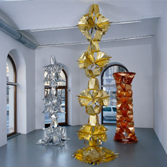 Gallery Mezzanin, Vienna, 2006, Untitled, 135x180x1cm, videoprojection (3min, lopp), glass, lube oil, 2006, Photo: Markus Krottendorfer